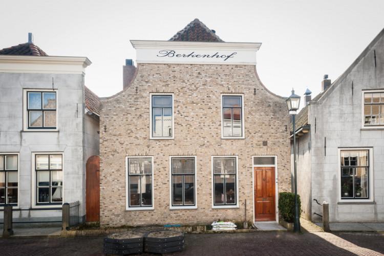 Voorstraat 13, Stad aan 't Haringvliet