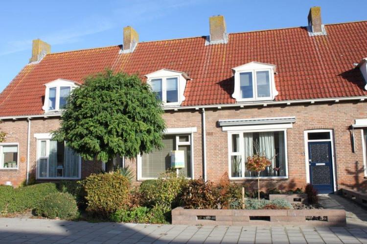 Emmastraat 11, Den Bommel