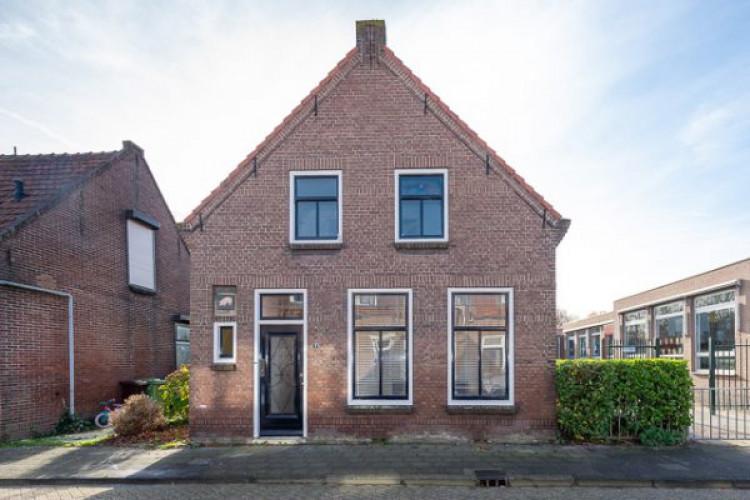 Pieter Biggestraat 9, Ooltgensplaat