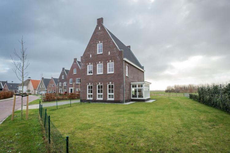 Essenlaan 36, Dirksland