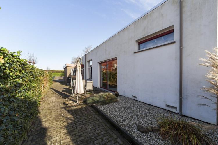 Beneden Oostdijk 82, Den Bommel