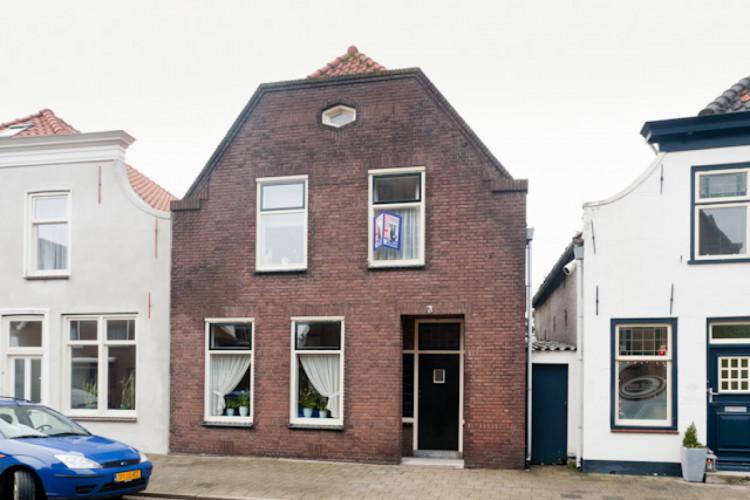 Nieuwstraat 5, Oude-Tonge