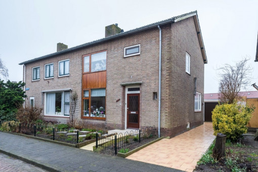 Beatrixlaan 18 Dirksland