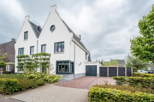 Bloemenweg 45 Dirksland